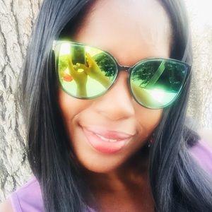 Accessories - LAST PAIR Gold mirrored oversized sunglasses